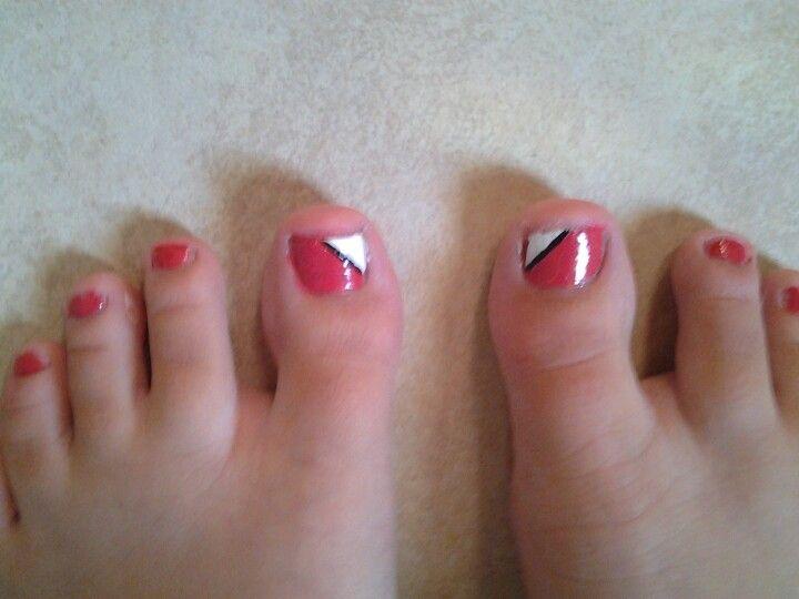 i did some pretty simple toenails but i love them