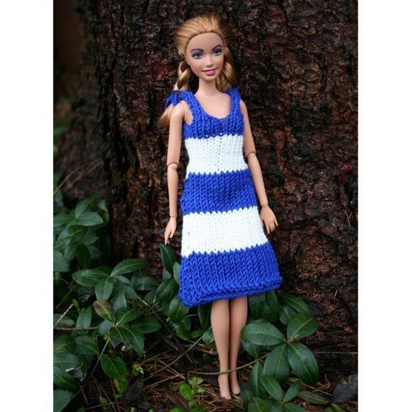 Knitting: Navy dress for Barbie doll