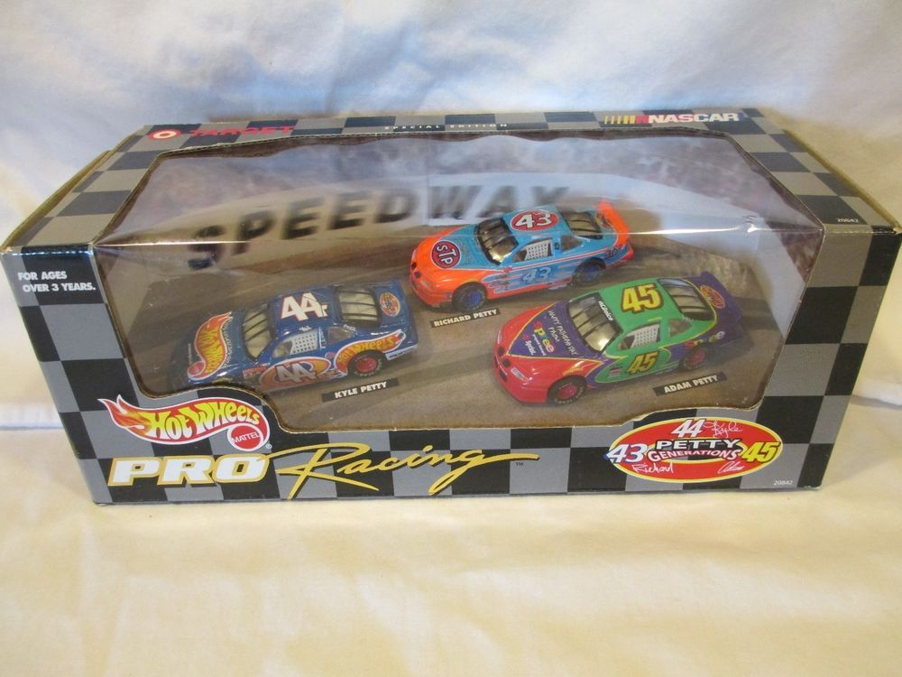 Hot Wheels Pro Racing Target Special Edition Petty Generations 3 Car Set Hot Wheels Diecast Toy Toy Vehicles