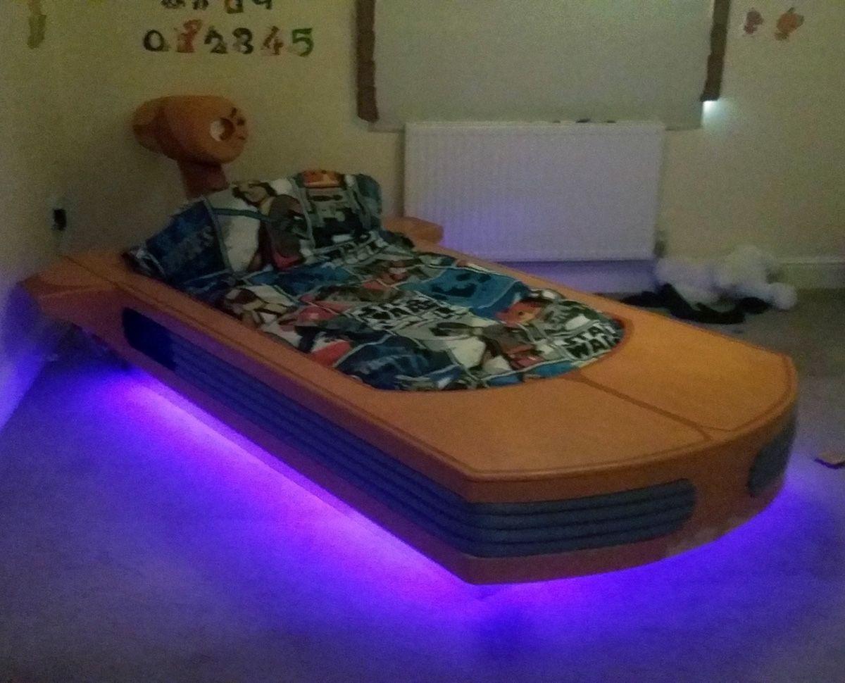 DIY Landspeeder Bed