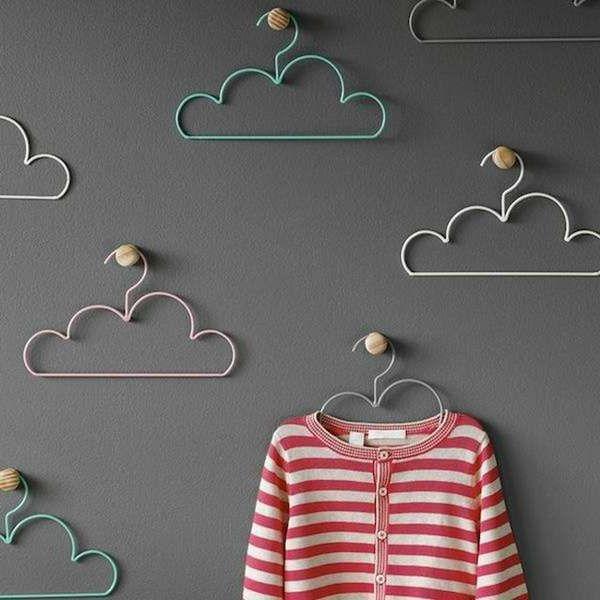 schöne Kleiderbügel wie Wolken gestaltet | For Future Kiddos ...
