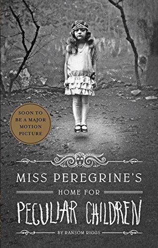 Miss Peregrine's Home for Peculiar Children- de Ransom Riggs http://www.amazon.fr/dp/1594746036/ref=cm_sw_r_pi_dp_D0B7wb1MY7NC2
