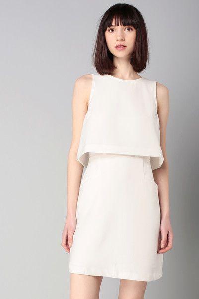 Robe blanche crêpée trompe l'oeil Cyrus Blanc Suncoo sur MonShowroom.com