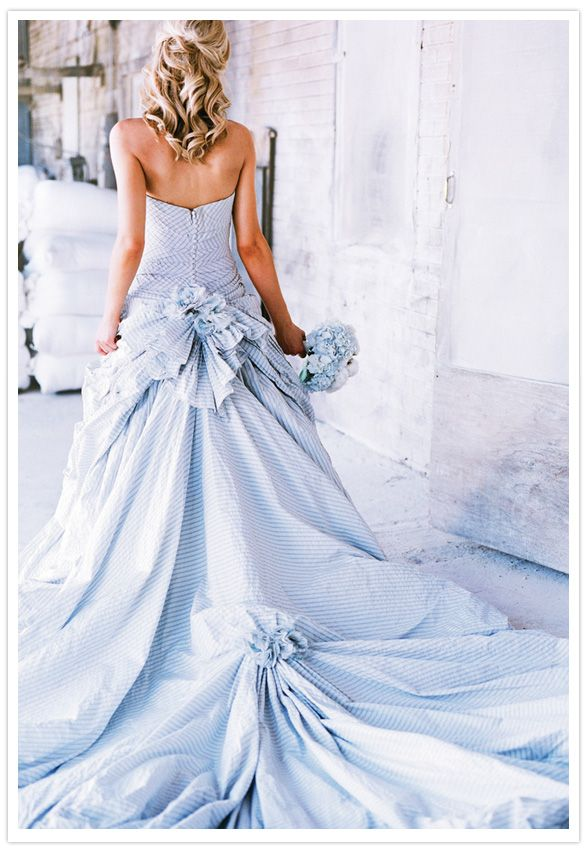 Monday Morning Blues: Seersucker Wedding Dress | Dresses and Gowns ...
