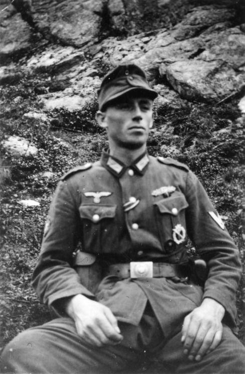 Gebirgsjäger of the 2nd Mountain Division, Franz Roth, resting on the Kola Peninsula