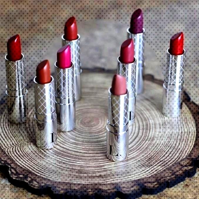 at all these perfect lipsticks!!Look at all these perfect lipsticks!!