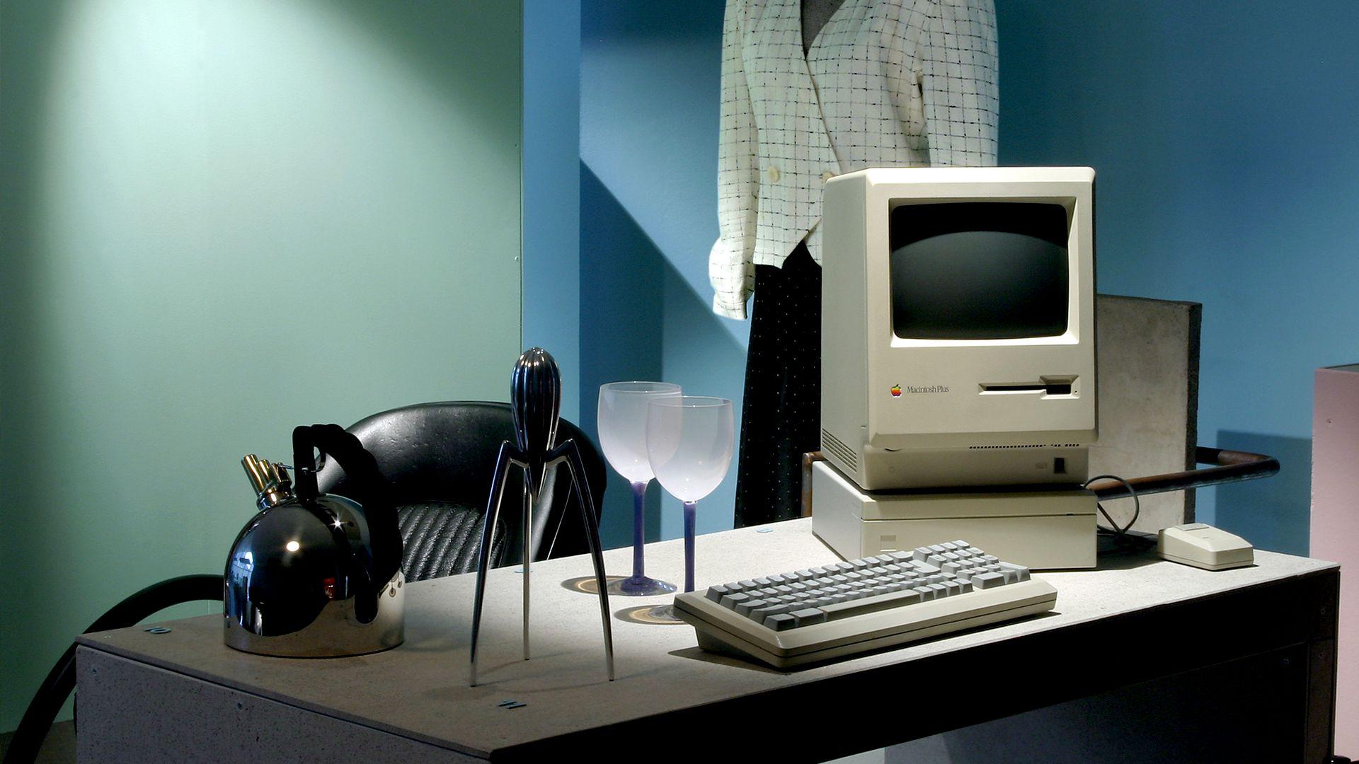 Postmodernism and 1980s. Foto: Mikael Lammgård, Röhsska museet