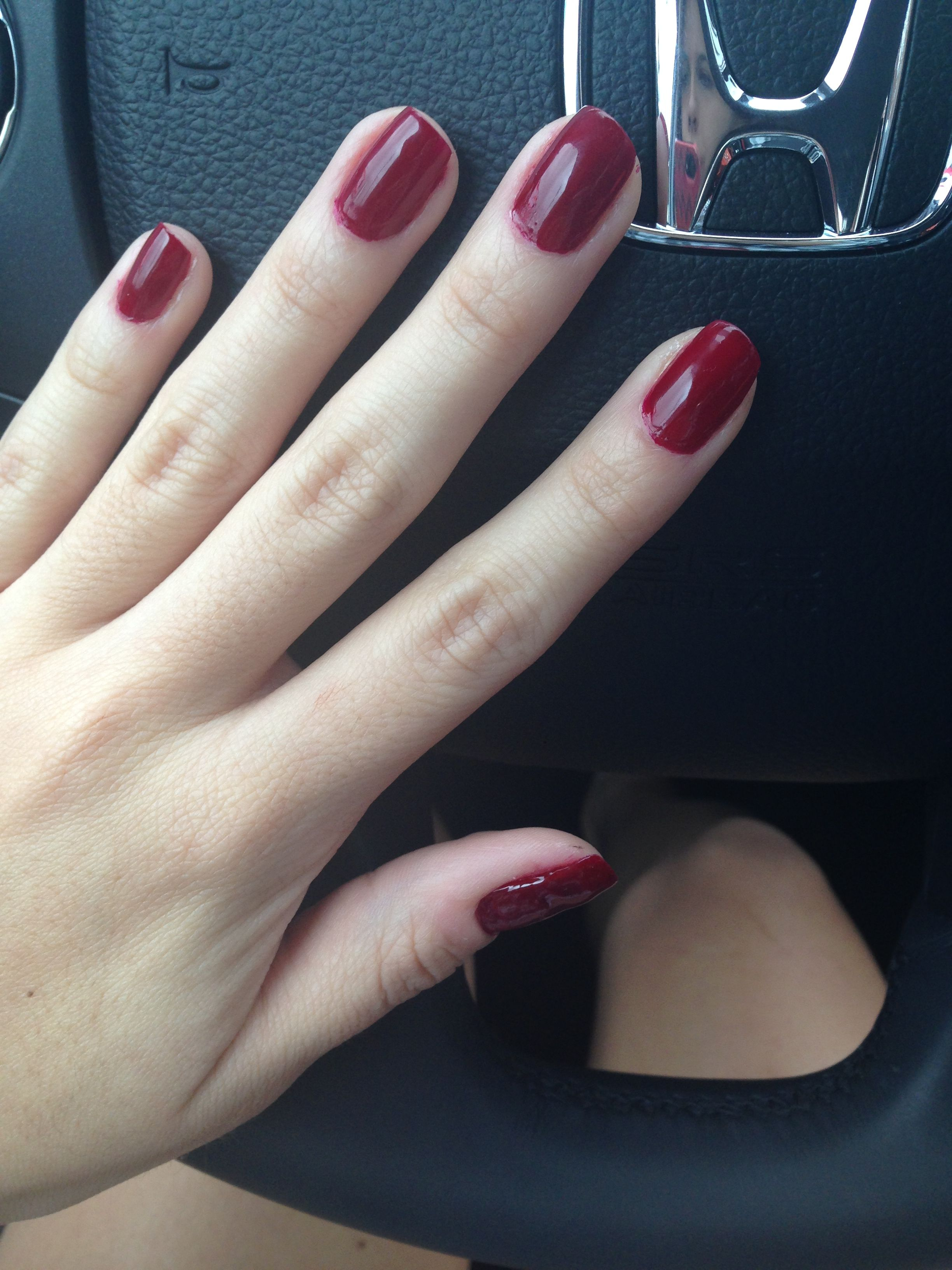 Finally found the perfect wine color!!! Essie Bordeaux | Uñas ...