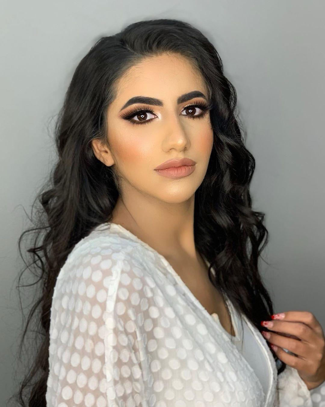 نور ستارز Noor Stars On Instagram اول صورة لسنة ٢٠٢٠ نزل فيديو مع وليد اخي بالقناة لا يفوتكم الحكي والدردشة اللي صا Hair Styles Beauty Long Hair Styles