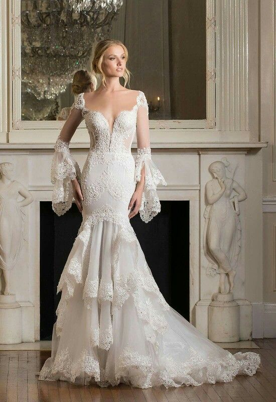 Pnina Tornai Israel S Leading Bridal Designer Collection Adds Her Own Modern Touch To Create The Perfect Fit Gown Are Hand Made Of Finest