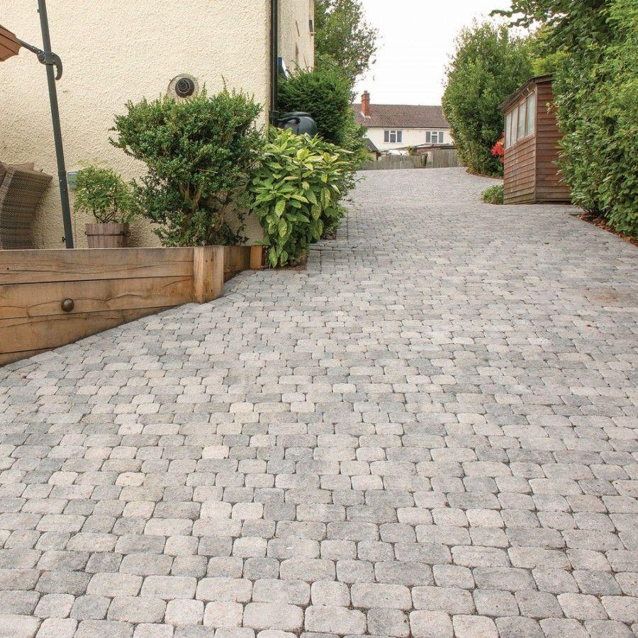13 Elegant And Awe Inspiring Driveway Paving Ideas Garden Ideas Driveway Stone Driveway Driveway Paving