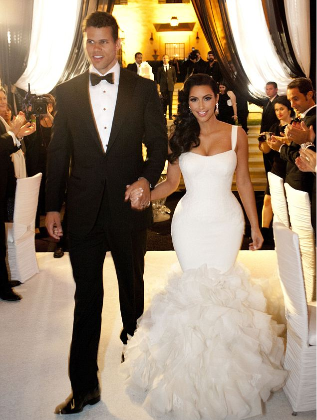 Kim Kardashian In Vera S Wedding Dress
