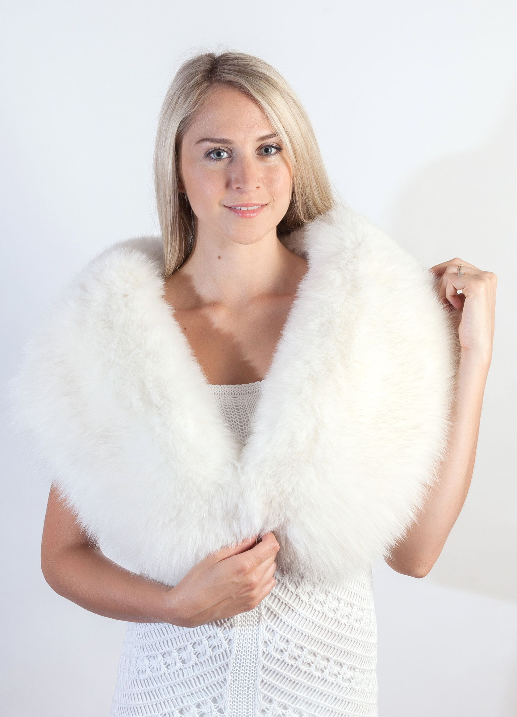 white fur stole paired - HD 1715×2380