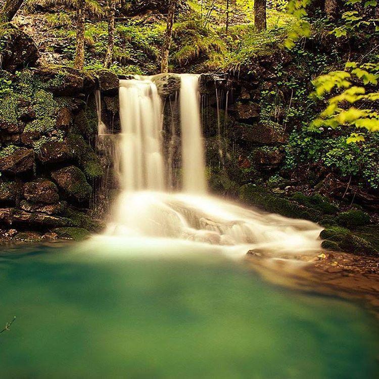 Mitten im Allgäu liegt dieser versteckte kleine Wasserfall - Wildbachtobel. Ein #geoleserfoto von Nadine Klose Du willst auch bei…