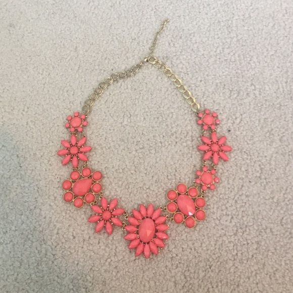 Coral Francesca's Necklace Gold collard length coral necklace! Great for spring! Francesca's Collections Jewelry Necklaces