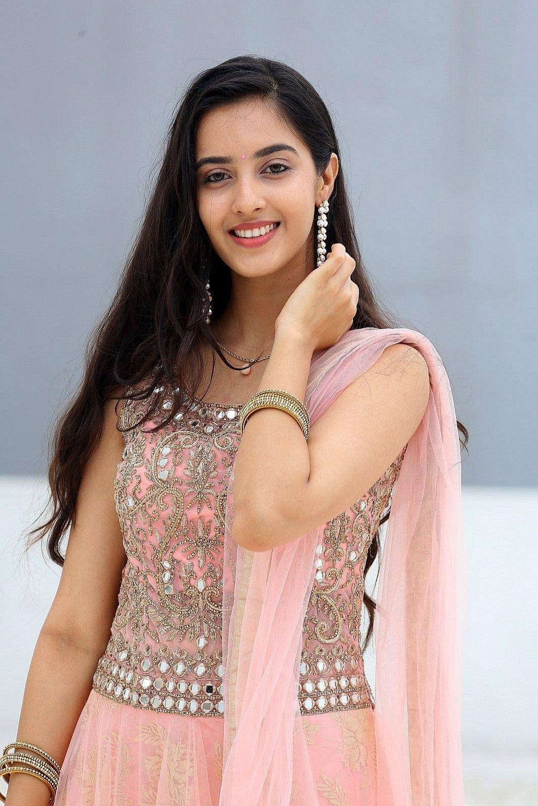 Pin on Bollywood Beauty