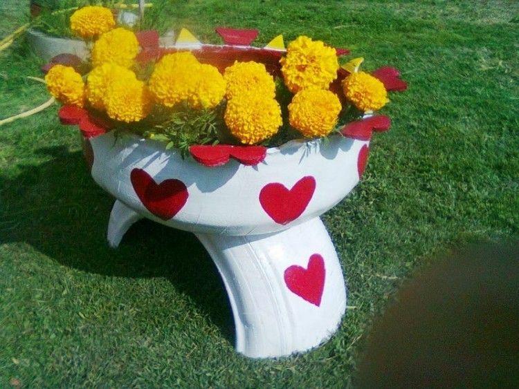 brico jardin pots fleurs et tabourets en pneus recycl s decora o tire planters tire. Black Bedroom Furniture Sets. Home Design Ideas