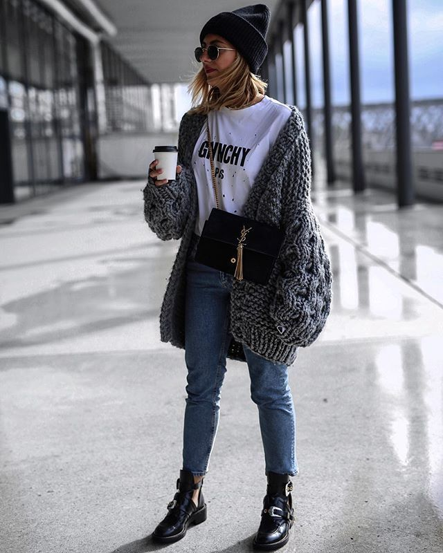Fashion Bloggers: The Trendiest Knitwear Right Now