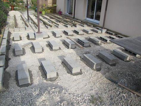 Terrasse en bois sur parpaings de 8m par 4m Terrasse Pinterest - terrasse bois sur plots reglables