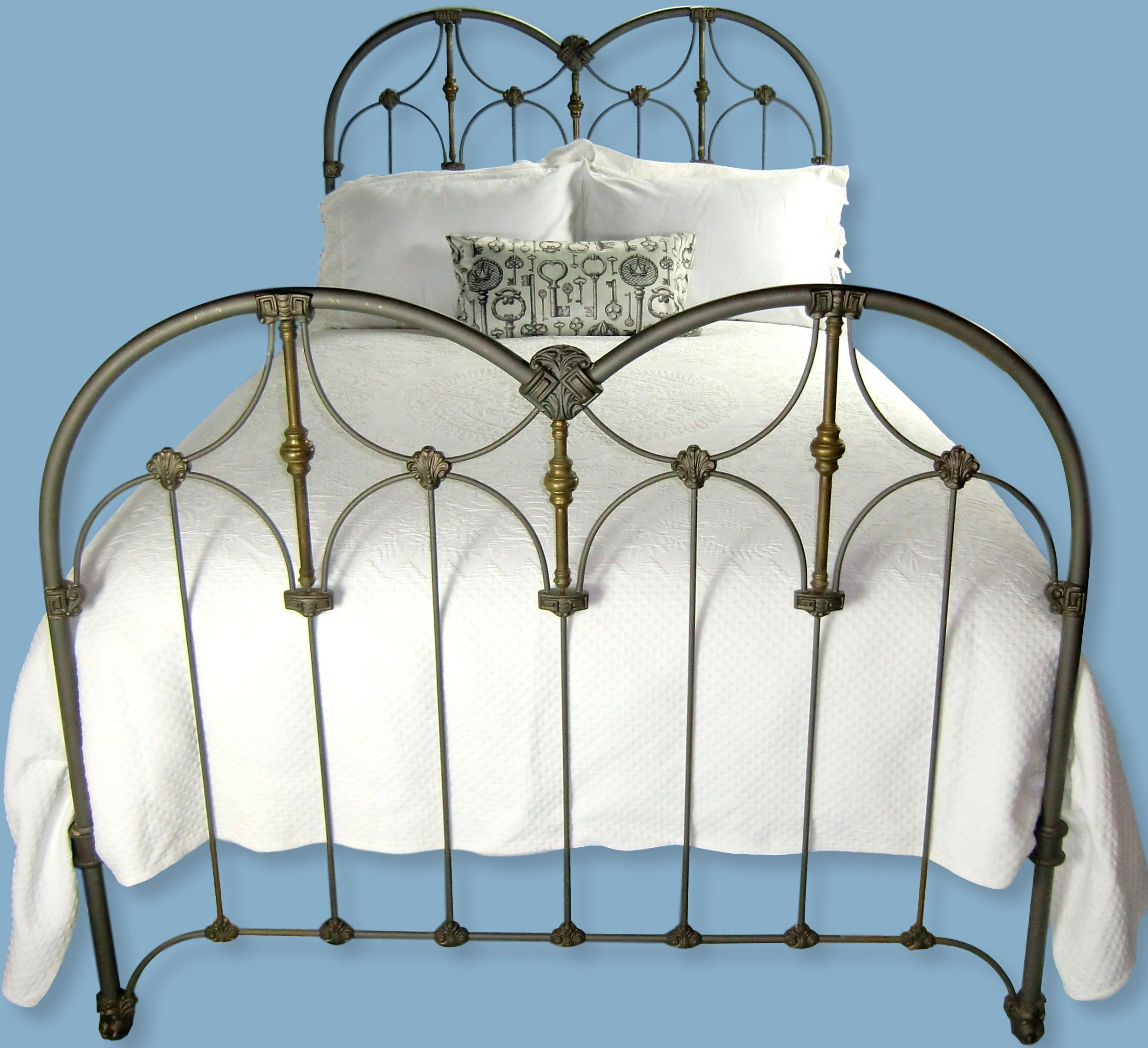 11 Of the Coolest Ideas How to Makeover Cast Iron Beds For