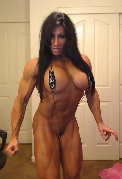 Lisa milf with big muscle out