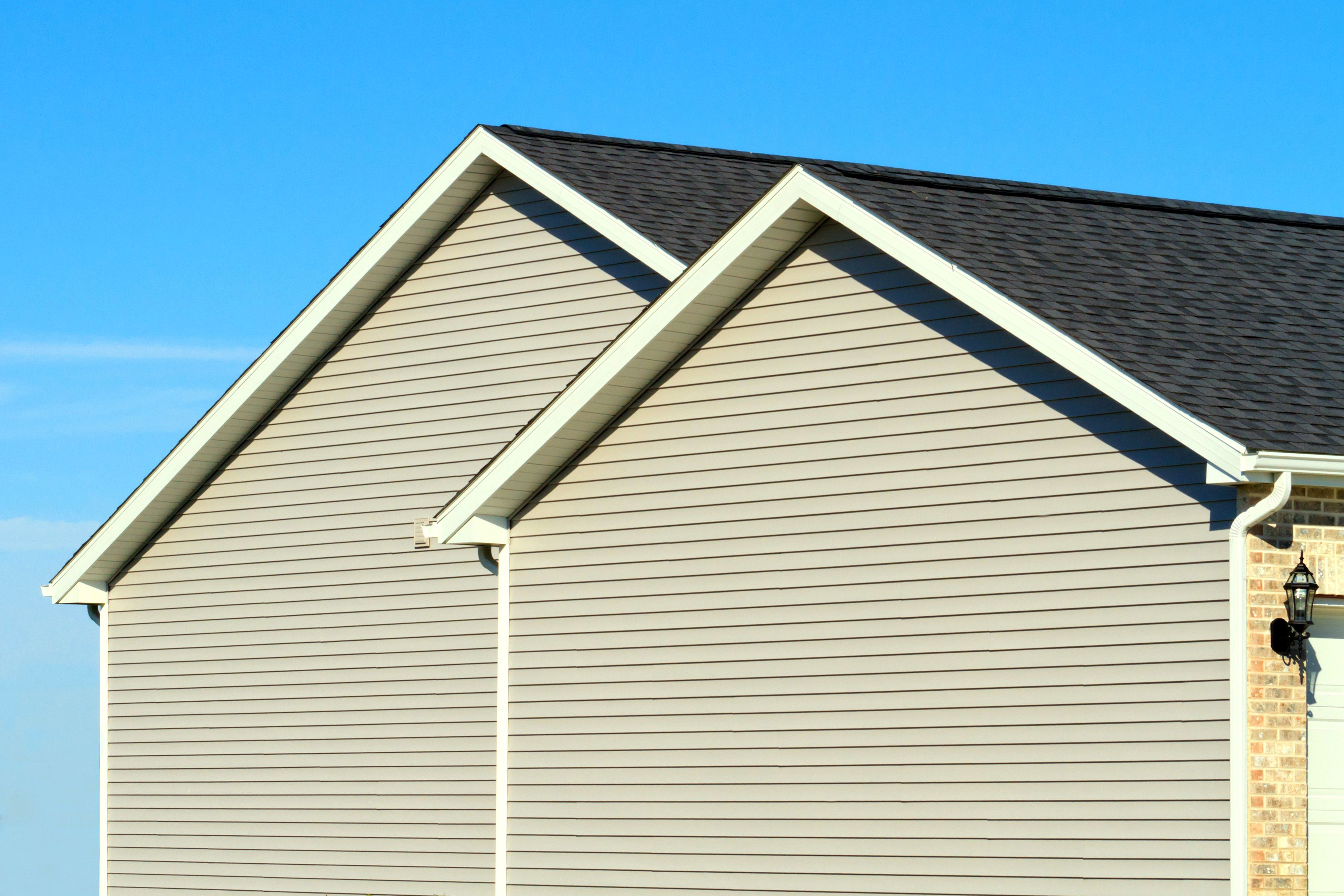 While You Making Decision To For Roofing Then Finding Roofers Is Troublesome In Some Cases Check Out This L With Images Vinyl Siding Prices Vinyl Siding Vinyl Siding Cost