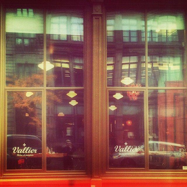 Couleurs d'automne au Vallier #mtl #montréal #quebec #restaurant #oldmontreal #vieuxmontreal #vallier #ri365_2014 #vt1014 #snapseed #instagramers #ig514 #igerscanada #igersmontreal #vintage