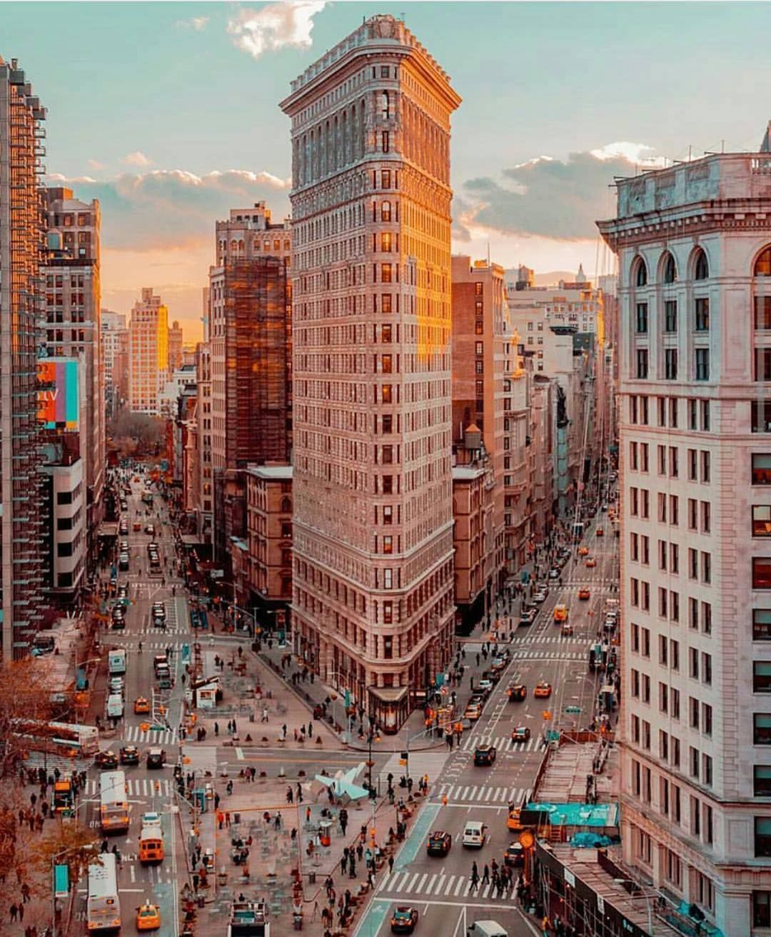 Flatiron building during sunset new york city tag for Building photography