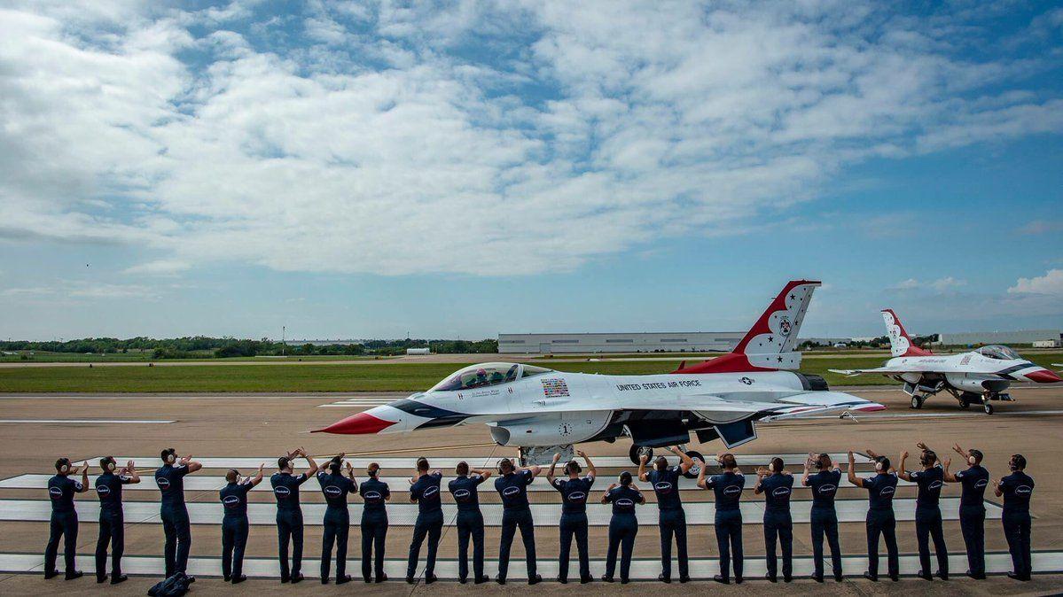 Thunderbirds on Air show, Thunderbird, Military vehicles