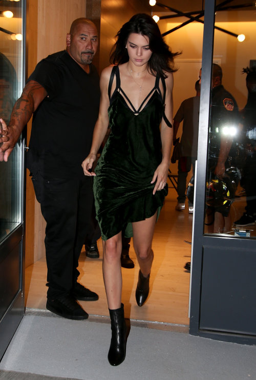 U201cSeptember 08, 2016   Leaving Her AirBnb Apartment In New York City, NY