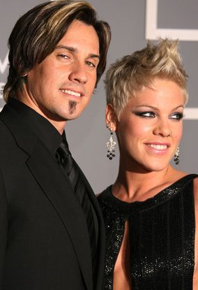 Pink And Carey Hart Pink Singer Short Hair Styles Carey Hart