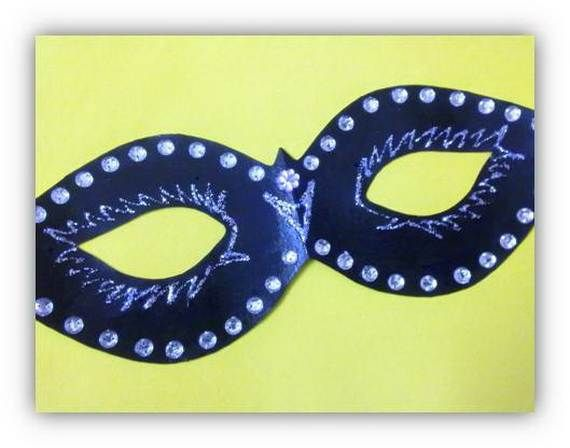 Mask Decorating Ideas Magnificent Howtomakeapapermachemaskwithafoilmold_44  Masks Decorating Inspiration