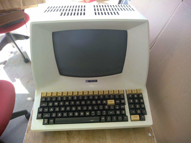 Televideo Tvi 920b Vintage 1970s Computer Terminal 1970s Lear