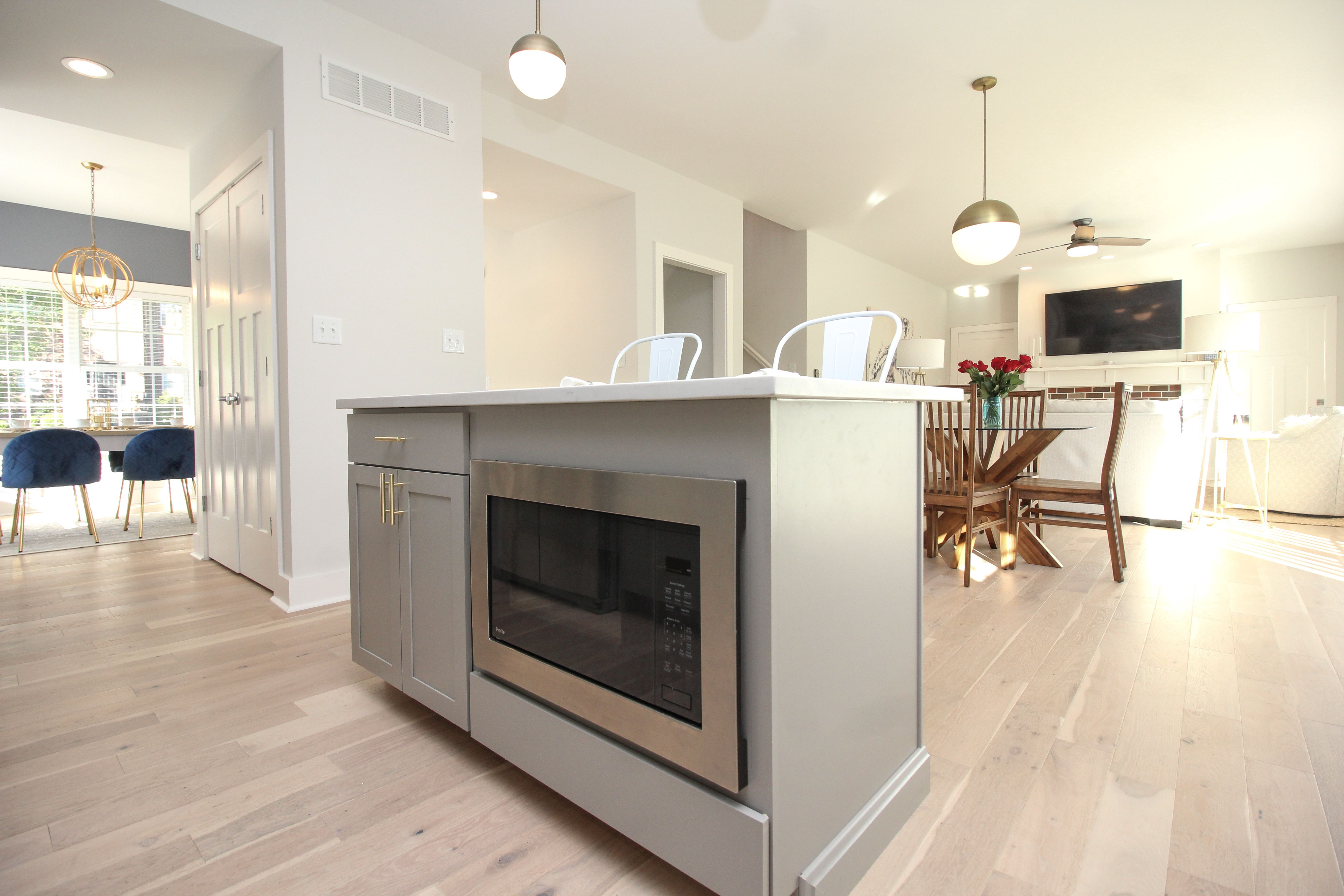 Best Aristokraft Stone Gray Cabinets With Kitchen Island 640 x 480