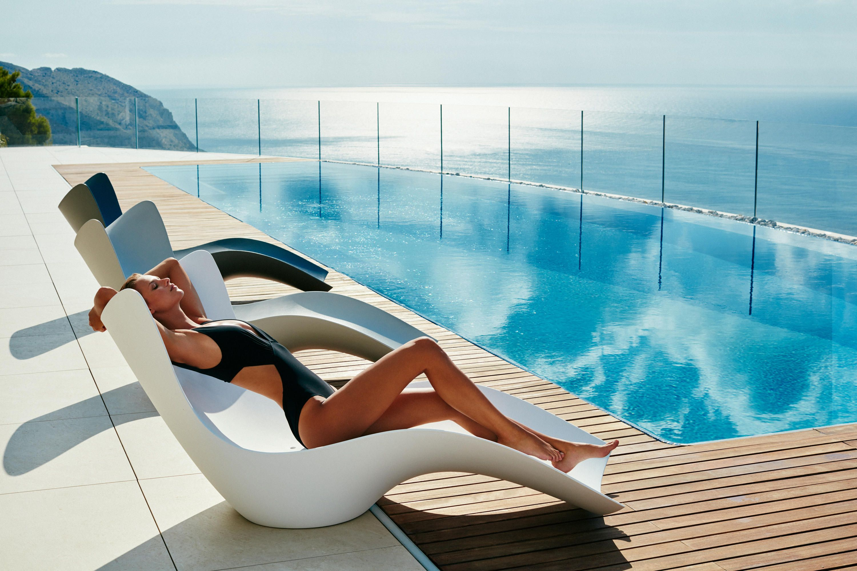 Vondom Surf Collection Pool Lounge Chairs Modern Pools Lounge Chair Outdoor Modern outdoor pool lounge chairs
