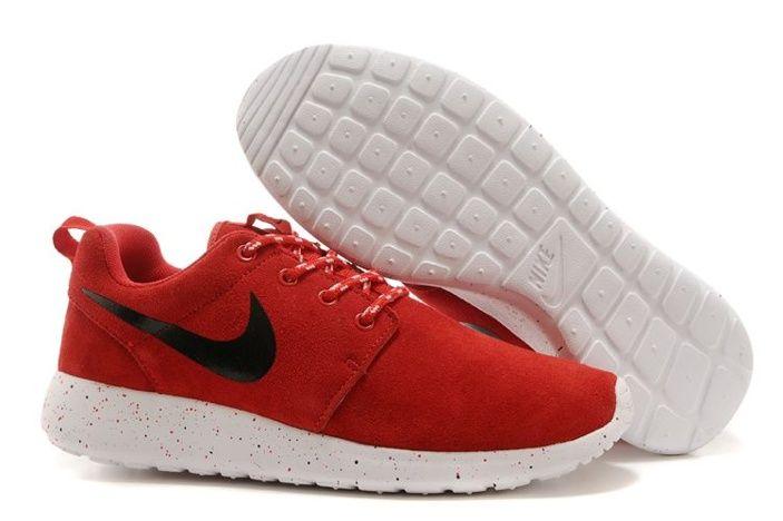 billige nike roshe one kjører sko svart rød hvit 534.72kr