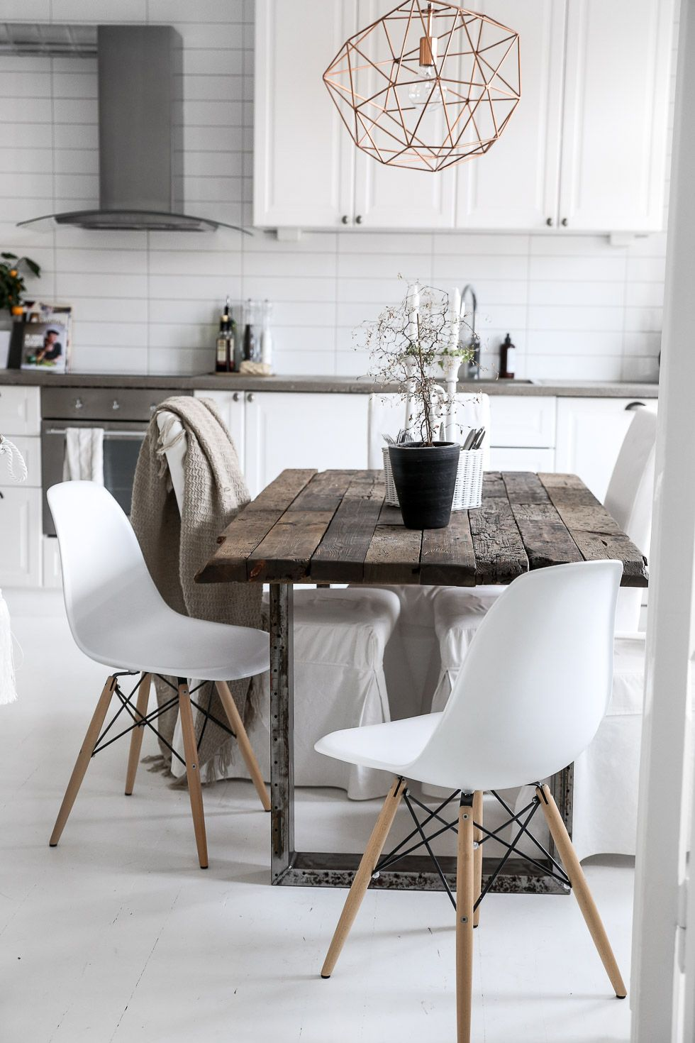 Love The Rustic Industrial Table In Modern Design