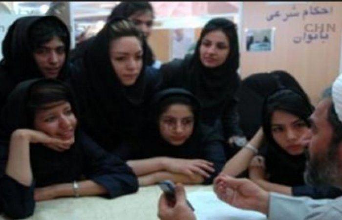 اخبار اليمن خلال ساعة - صحيفة سعودية : إيران تغري الحوثيين بزوجات عراقيات ولبنانيات