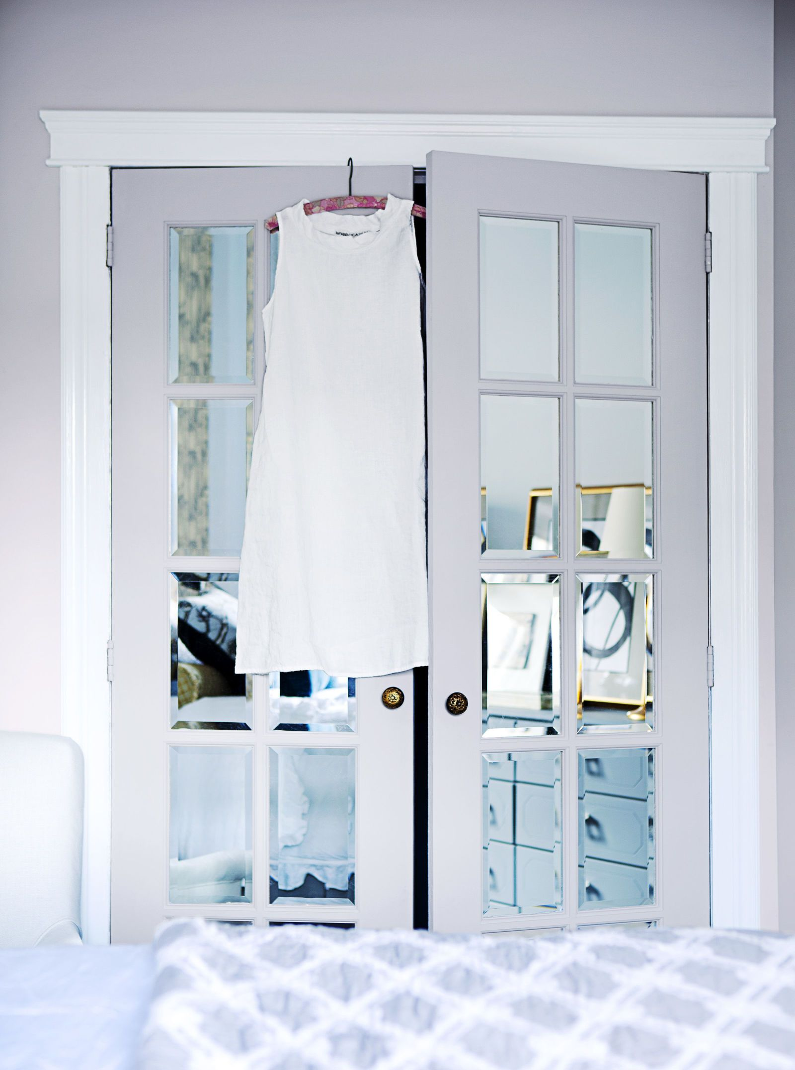 3 So Cute Ways to Make Over Big Boring Closet Doors