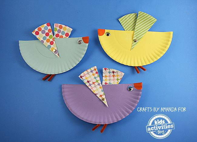 Paper Plate Birds with Movable Wings - by Amanda Formaro  sc 1 st  Pinterest & PAPER PLATE BIRDS WITH MOVABLE WINGS | Bird Paper birds and Kid ...