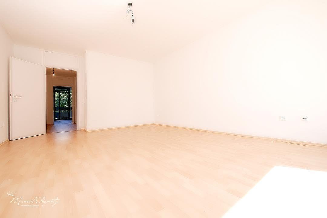 Zu Vermieten Bogenhausen Fideliopark Strahlend Schon Sanierte 2 Zi Wohnung Mit Zwei Balkonen Neuer Ebk Https Www Mu In 2020 Home Property Flooring
