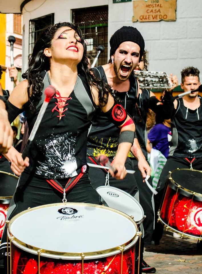 AAINJAA: Percusión y danza. Ritmos Afro Colombo/Brasileños. Imagen publicada en: https://www.facebook.com/AAINJAA.P.A.M/photos_stream