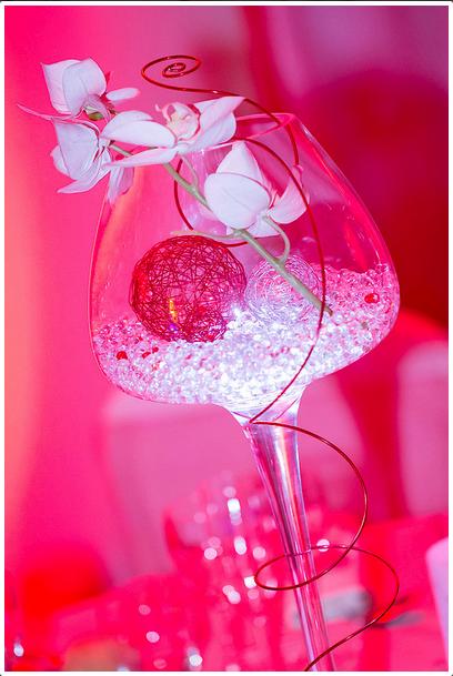 Centre de table illumin perle d 39 eau fil d 39 aluminium for Perle d eau decoration florale