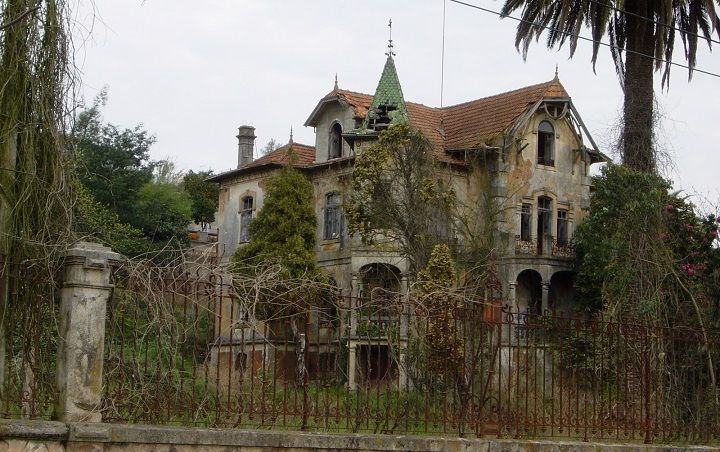 Haunted Houses in Portugal Alcudia mallorca, Mallorca y