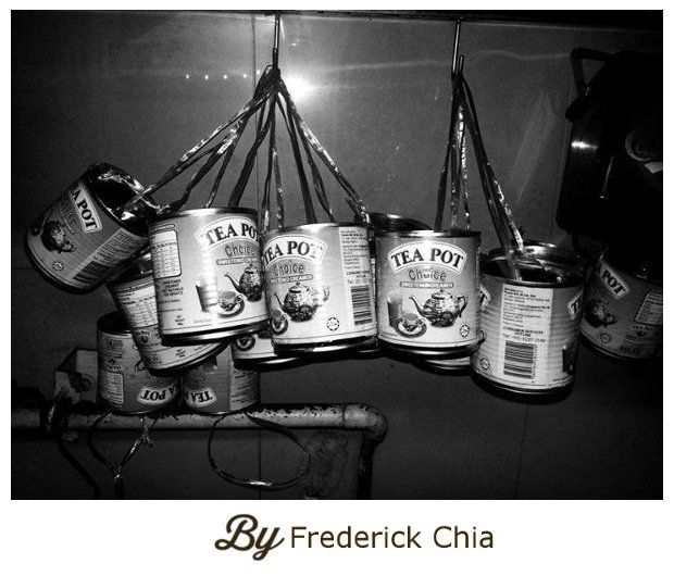 Frederick Shared A Picture Of These Tins That Were Recycled For Takeaway Orders In The Old Days Sgmemory Singapore Photos Old Things Vintage Props