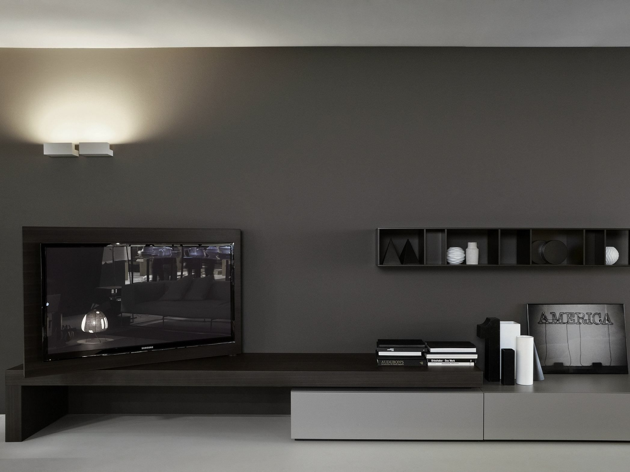 Low Tv Cabinet Modern Flag By Porro Design Piero Lissoni  # Meuble Tv Bas Moderne