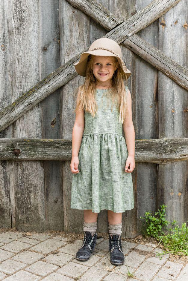 d3af4251c0 COCO zielona sukienka dla dziewczynki - aQademia - Sukienki dla dziewczynek
