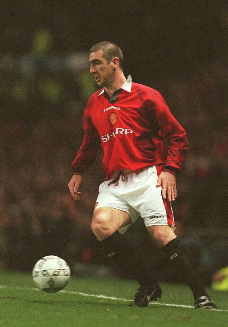 See more ideas about eric cantona, eric, manchester united football club. Eric Cantona of Man Utd in 1996.   Joueur de football ...