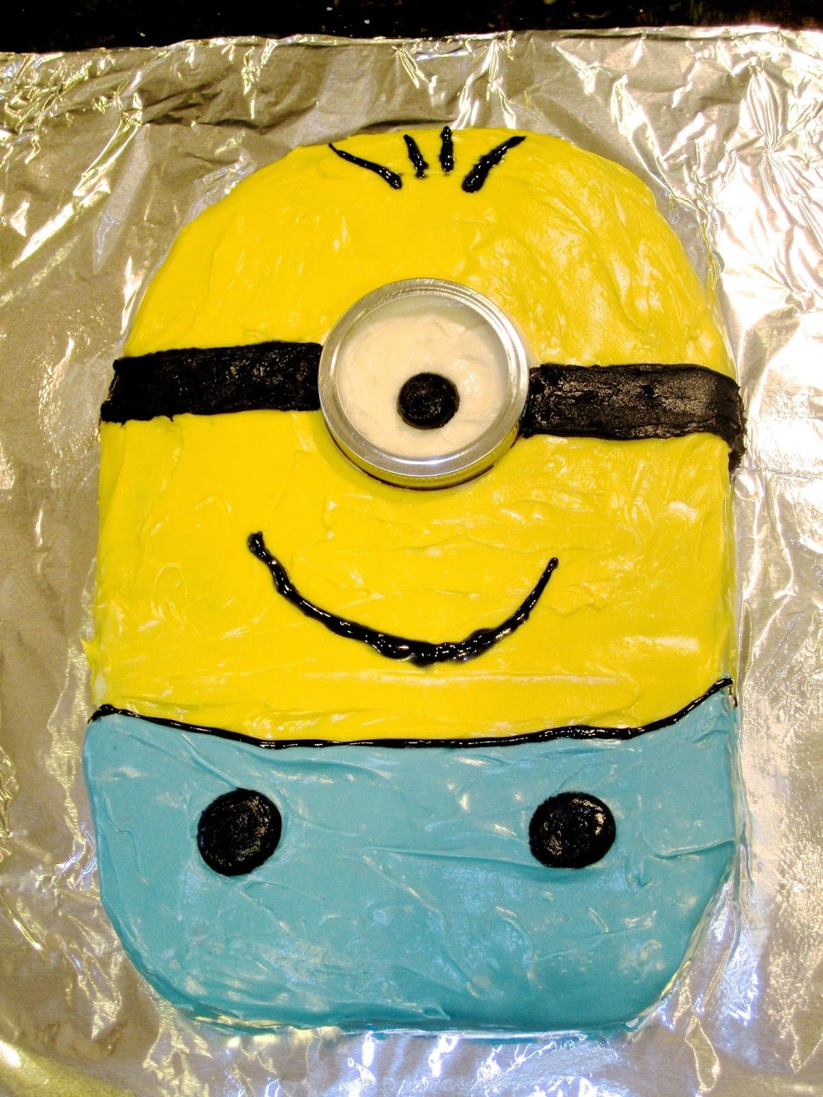 a piece of cake Minion Birthday Cake Minions Pinterest