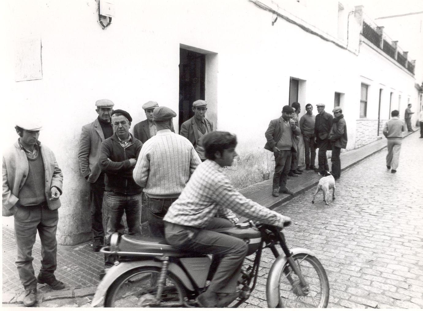 Desde la historia de Casas Viejas: Las motos y Paquirri y Joselito